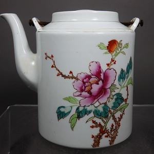 文革时期花卉绘画提梁壶