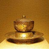 唐代银鎏金盏托