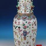 300件清晚期粉彩博古纹盘口大瓶