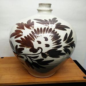 联盟 磁州窑刻花瓶