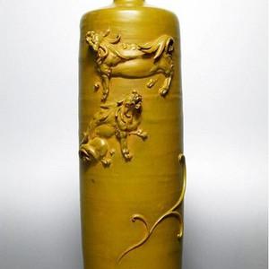 精品  名家之作,高冈铜器,高浮雕犬义铜瓶