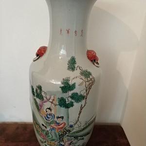 民国粉彩通绘人物花卉大瓶