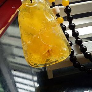 联盟 俄料鸡油黄蜜蜡挂坠,雕刻 连年有余 题材纹饰