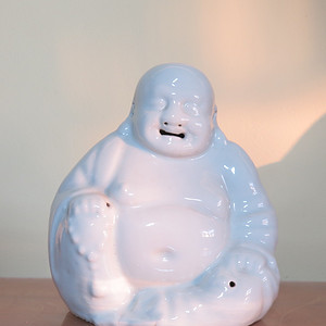 民国白釉弥勒佛塑像