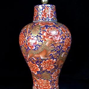 本金霁蓝釉矾红描金事事如意纹梅瓶