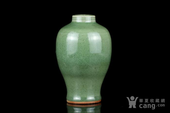 31明代龙泉窑小口梅瓶图2