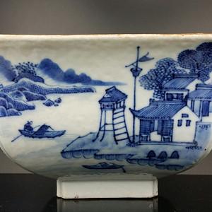 36清乾隆青花通景山水纹方碗