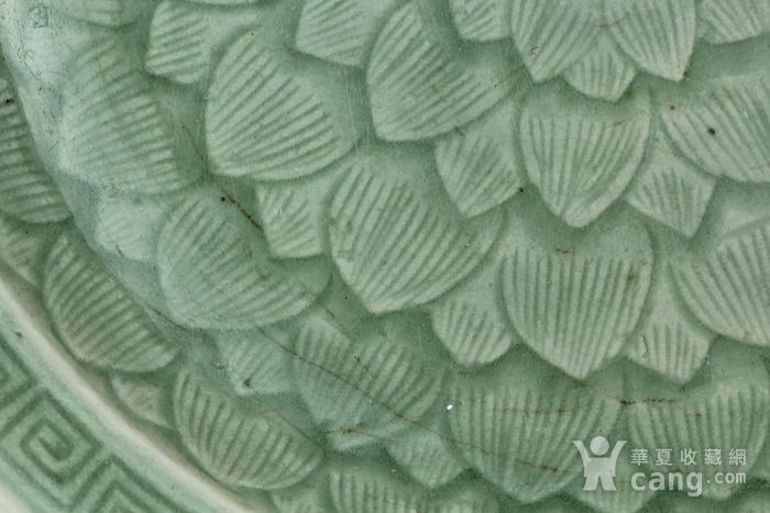 39清乾隆青釉暗刻莲瓣纹盘图8