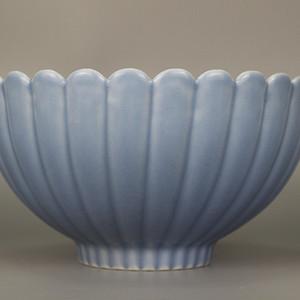 欧亚回流天蓝釉菊瓣碗
