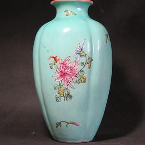民国花开富贵绿釉海棠瓶