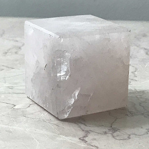 9051 粉晶标本