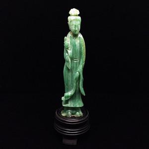 回流晚清翡翠仕女雕像