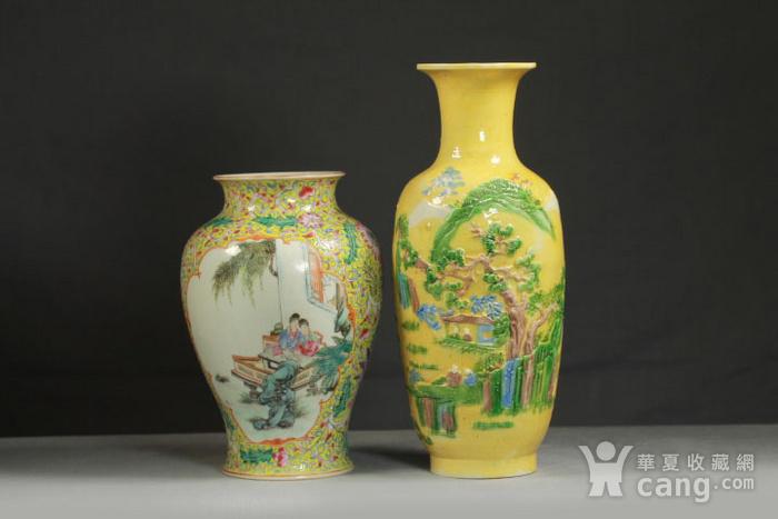 晚清黄釉雕瓷瓶观音尊两件图1