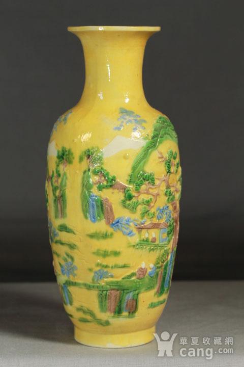 晚清黄釉雕瓷瓶观音尊两件图4
