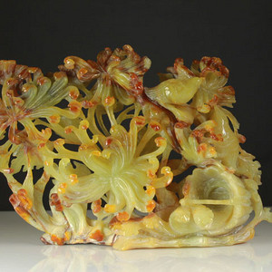 天然缅甸玉蜜糖黄翡翠花鸟纹镂空雕摆件