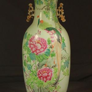 粉彩300件富贵花鸟纹瓶
