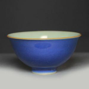 清嘉庆霁蓝釉碗