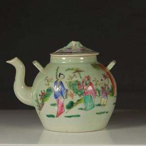 清代豆青粉彩茶壶