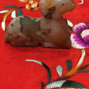 清代鸿运当头玛瑙羊挂件