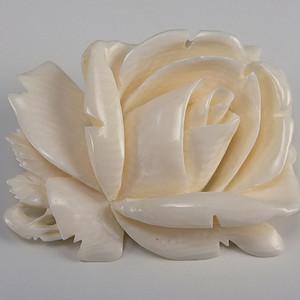 美国回流天然有机宝石白玫瑰胸花