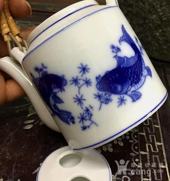回流之欧洲定烧青花鱼纹茶壶一对图2