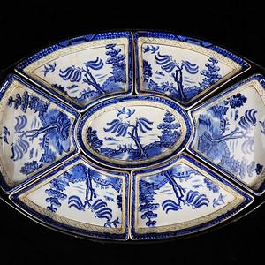 维多利亚时期青花山水楼台绘画七子盘