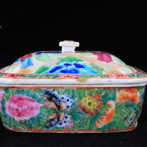 咸丰广彩人物统身绘画三层肥皂盒