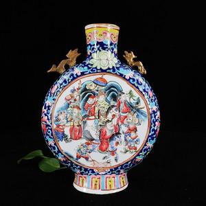 清代粉彩三国人物开窗绘画抱月瓶