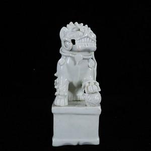 清代德化窑狮子塑像