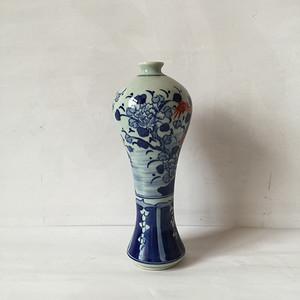 65  青花釉里红牡丹龙纹梅瓶