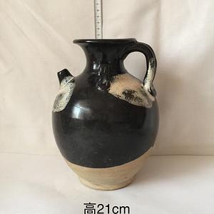 83  鲁山窑黑釉点彩执壶