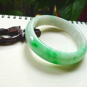 自然光实拍!天然A货好种绿手镯..有天然石纹不影响。