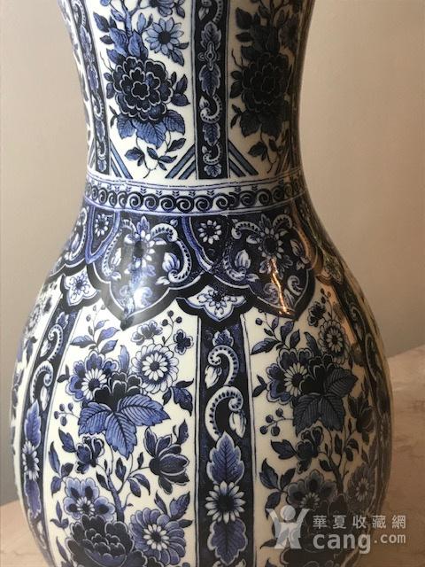 7459 欧洲回流荷兰青花牡丹敞口瓶图2