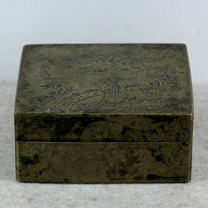 38清代松鹤纹铜墨盒