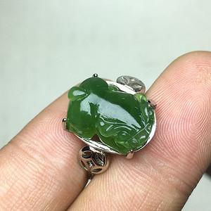 满绿和田碧玉精雕貔貅女戒指
