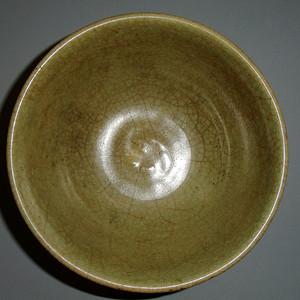 元  龙泉窑青釉开片碗