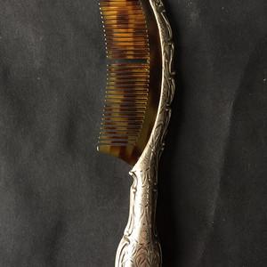 8073欧洲回流錾刻工艺银玳瑁梳子