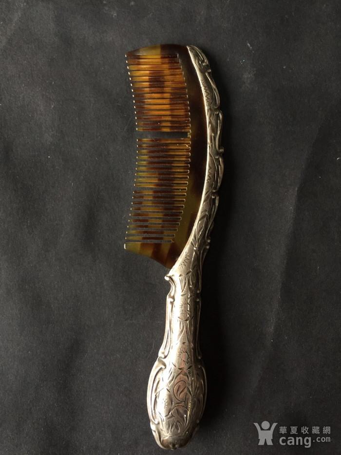 8073欧洲回流錾刻工艺银玳瑁梳子图1