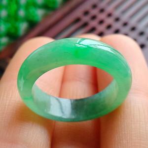 冰润满绿精美戒指