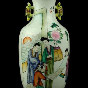 22民国粉彩仕女人物纹瓶