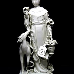 31民国德化窑白釉麻姑瓷像