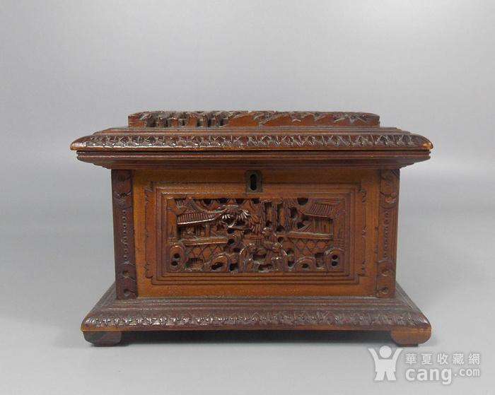 民国檀香木人物雕宝盒图1