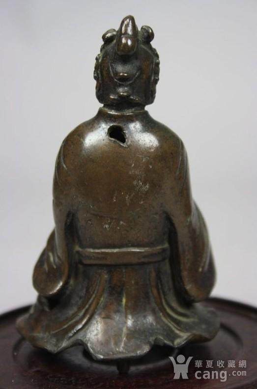 铜奏乐女俑造像图4
