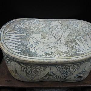 收藏级精品  磁州窑婴戏瓷枕