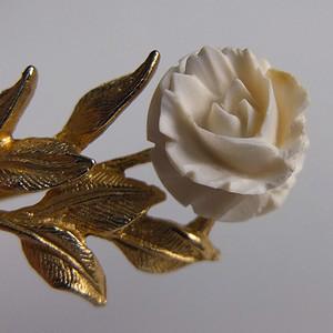 美国回流金镶嵌天然有机宝石胸花