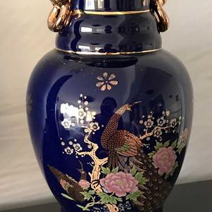 英国回流的蓝釉加彩描金瓶