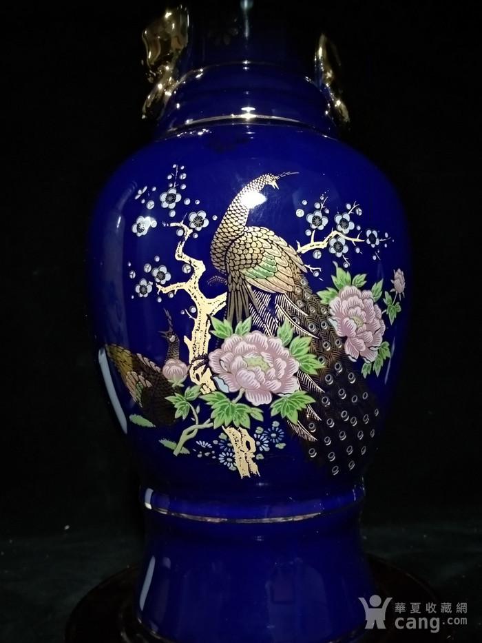 英国回流的蓝釉加彩描金瓶图3
