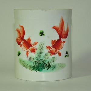 56十年代双鱼茶杯有伤
