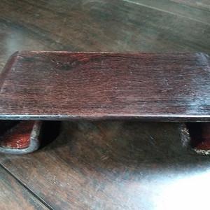 文房案头老红木书卷