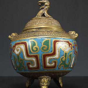国外回流铜胎掐丝珐琅瑞兽浮雕香炉